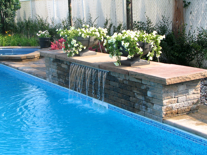 Terrasse pave design et service d 39 am nagement paysager for Fontaine piscine design
